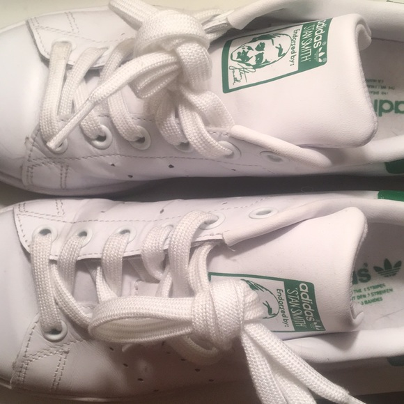 wholesale dealer f58dc 14695 adidas Shoes - Adidas Stan Smith womens whitegreen US 5